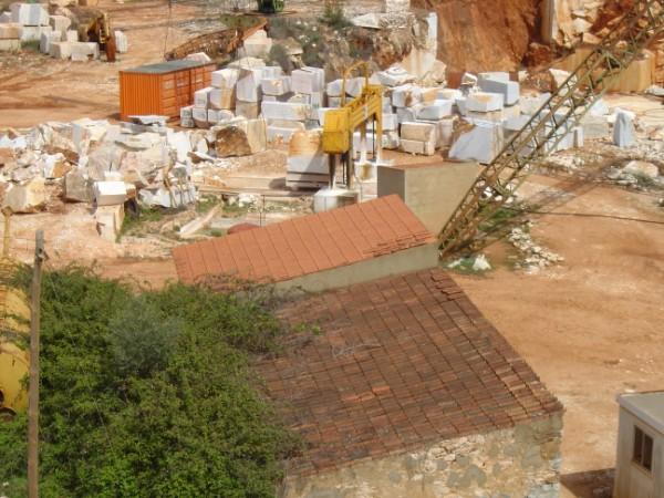 Pedreira Algarvia: marmores, pedras trabalhadas معرض للصور